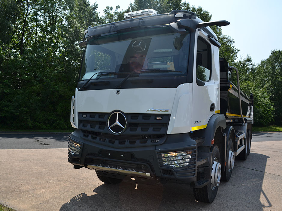 New Arocs 3243K 8x4 Tipper
